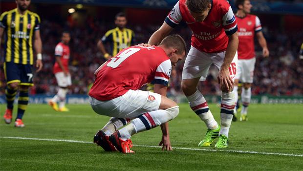 Arsenal Lukas Podolski injured