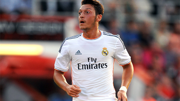 Mesut Ozil to sign Arsenal