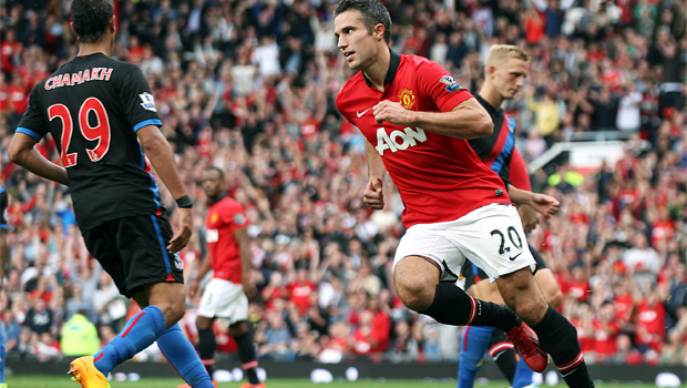 Robin van Persie to stay with Manchester United