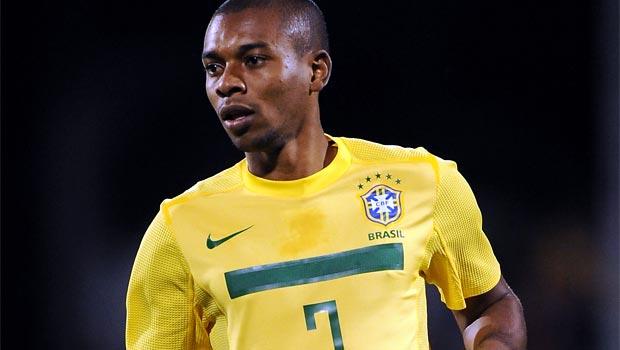 Fernandinho-man-city-call-for-brazil-team