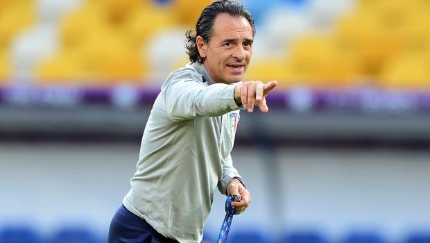 Cesare-Prandelli-Italy-coach