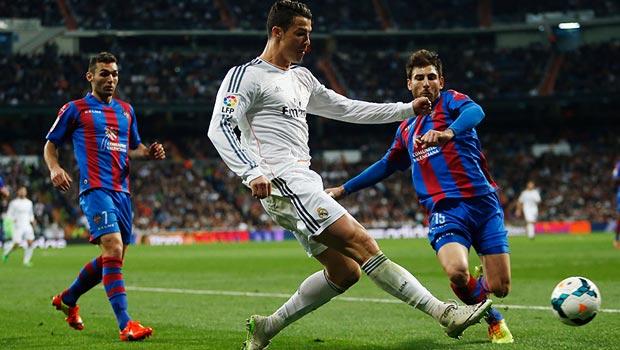 Cristiano-Ronaldo-Real-Madrid-v-Levante