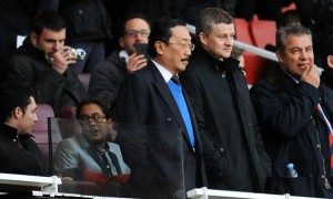 Ole-Gunnar-Solskjaer-and-Cardiff-City-owner-Vincent-Tan
