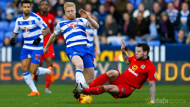 Reading-Paul-McShane-and-Blackburn-Rovers-Danny-Guthrie