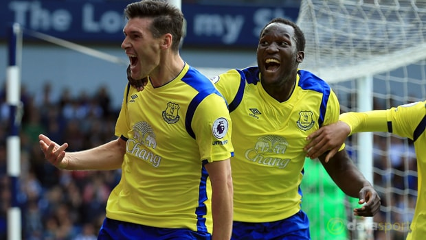 Gareth-Barry-and-Romelu-Lukaku-Champions-League