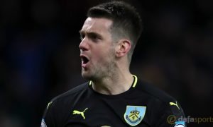 Burnley-goalkeeper-Tom-Heaton